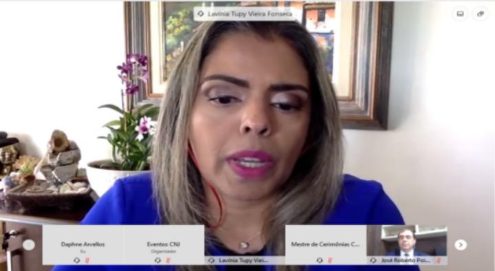Juíza da VEMSE-DF fala sobre desafios do sistema socioeducativo em fórum nacional online