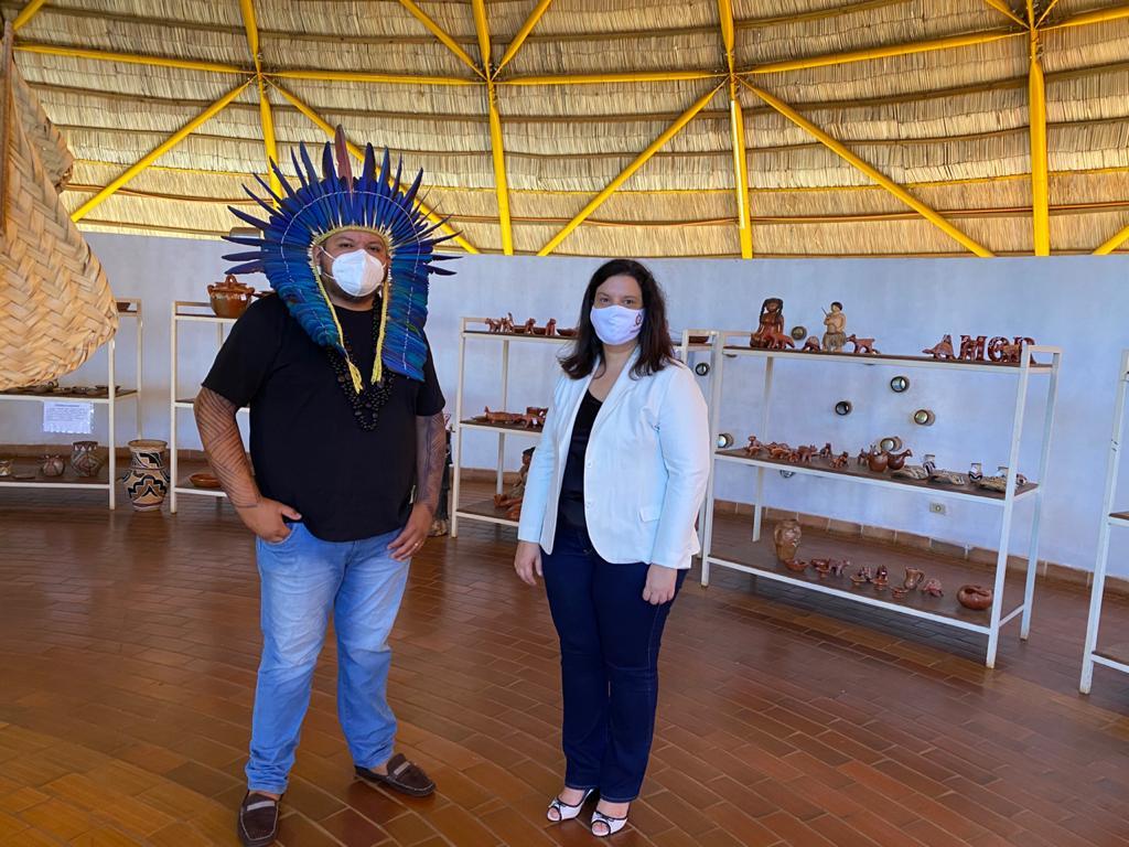 Juíza da Infância visita líder indígena para facilitar proteção às crianças da etnia