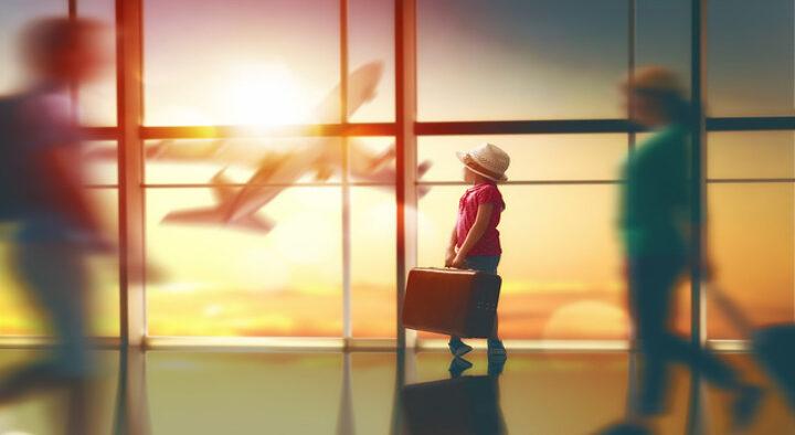 Autorização de viagem de crianças e adolescentes ficará mais fácil com documento eletrônico
